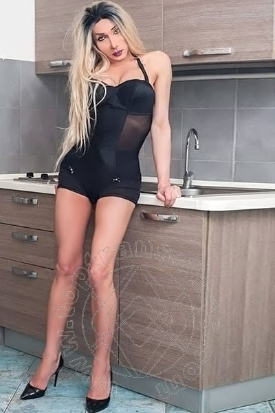 Miss Mary Ferrari  LA SPEZIA 3496641332